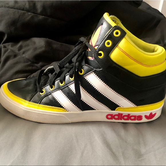adidas Shoes   Adidas Midhigh Top Court